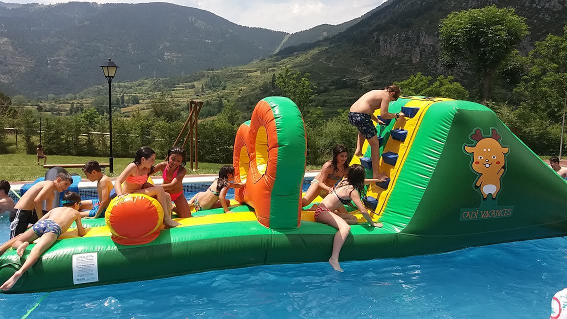 Cadi vacancespiscina con tobogan inflable cadi vacances - Piscina infantil con tobogan ...